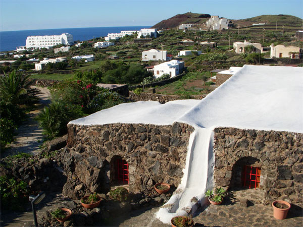 Case Di Pietra Pantelleria : Tenuta borgia la location del film a bigger splash pantelleria